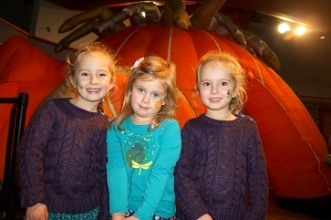 WEB Amelie Mather, Lily Ross, Isla Mather outside Chol Theatre pod