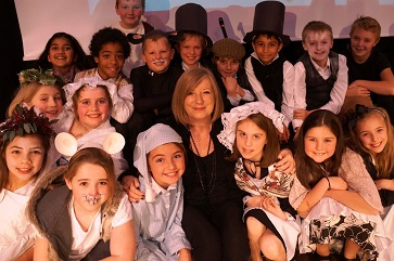WEB Sheila Wilson with the cast of Scrooge A Ghost of a Chance2
