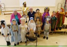 web-nativity-at-rose-court-reception-children-with-visitors-from-headingley-hall