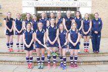 WEB GSAL U16 hockey team with Mrs Tiffen_787